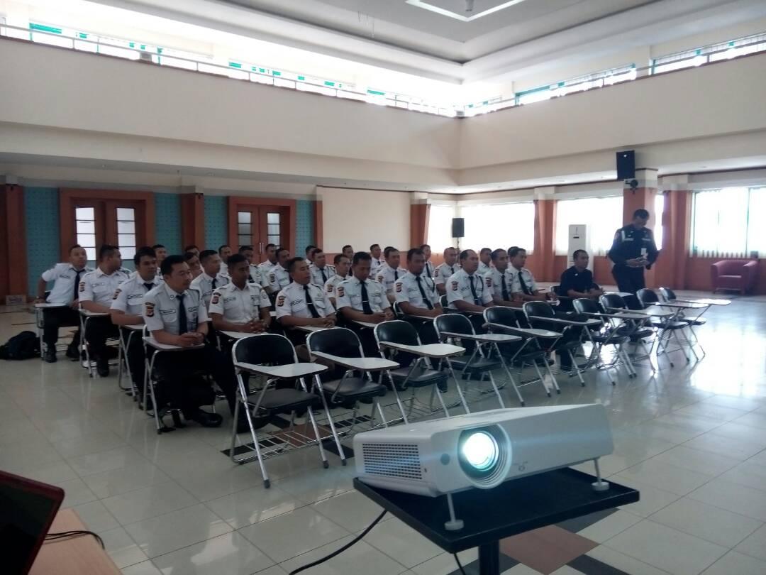 Pembinaan Tenaga Security PT. Artdeco di Bank Bjb Syariah ...